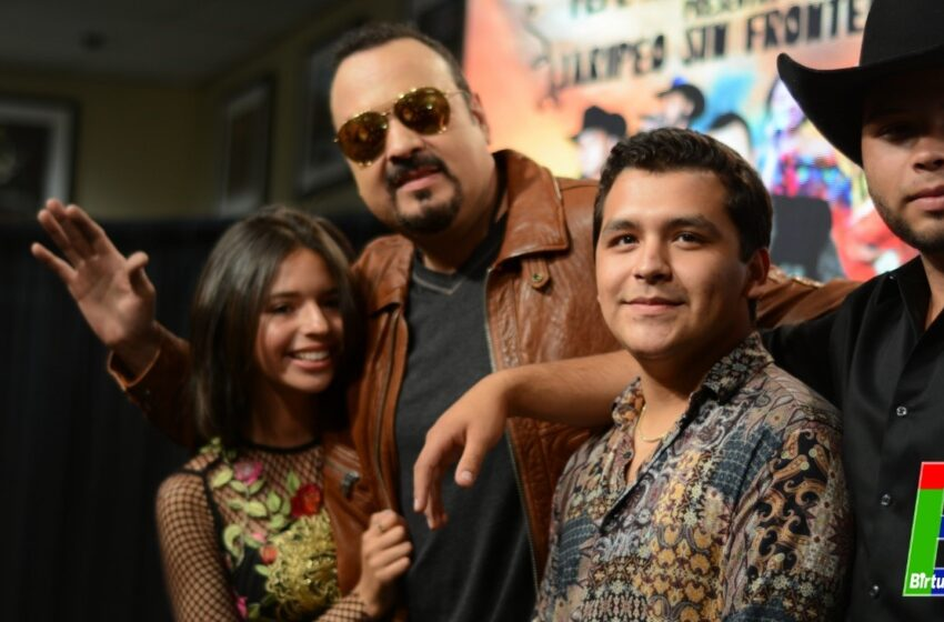Pepe Aguilar y Familia junto con Christian Nodal recuperan la tradición del Jaripeo